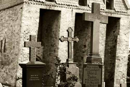 Picture: Crosses on Tombstones